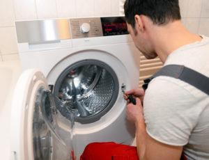 Nieoczekiwana awaria pralki - jak jej uniknąć?