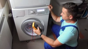 głośna praca pralki